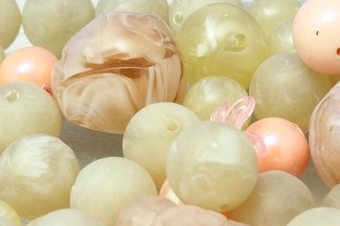 Acryl beige roze diverse vormen 50 gram